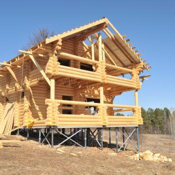 Деревянные дома на винтовых сваях