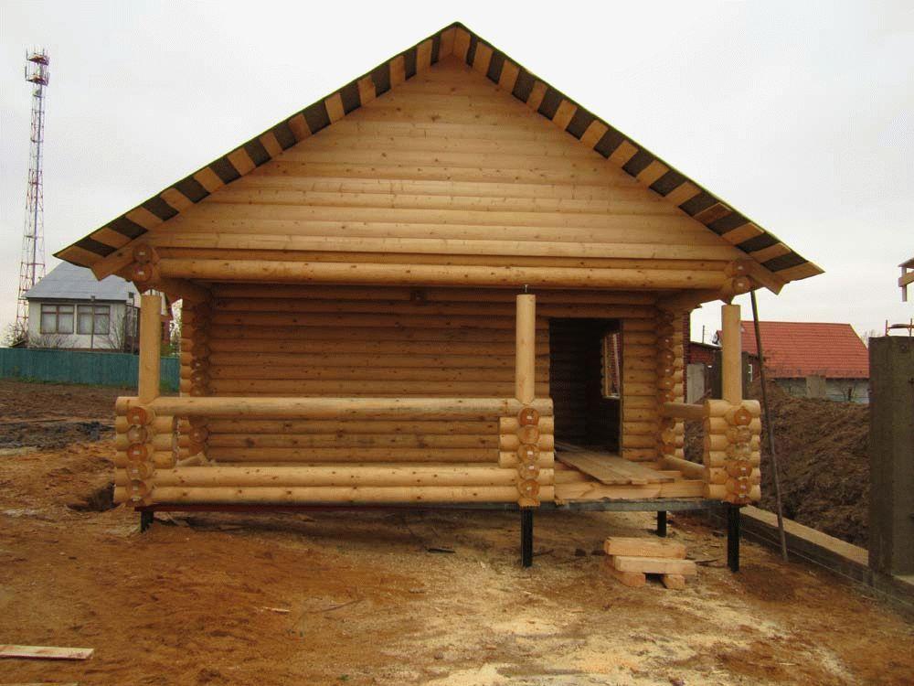 Баня деревянная на сваях