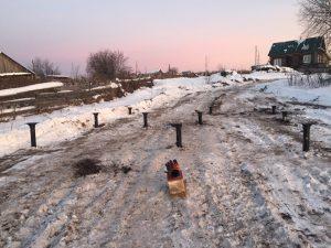 Монтаж свай под снег